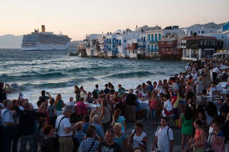 1024px-Little_Venice_quay_flooded_with_tourists._Mykonos_island._Cyclades _Agean_Sea _Greece